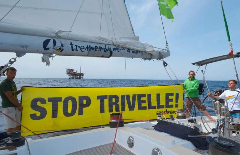 Difesa del mare e Stop trivelle, la barca di Greenpeace approda in Abruzzo